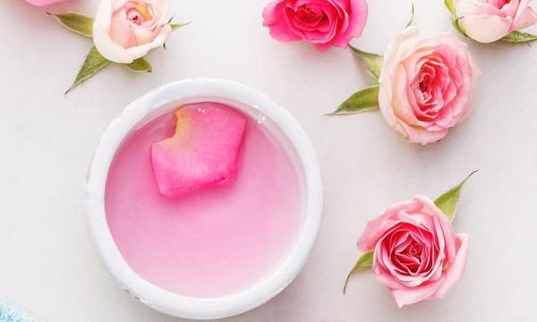 2 cách làm nước hoa hồng đơn giản mà lại hiệu quả vô cùng - nguồn ảnh: internet