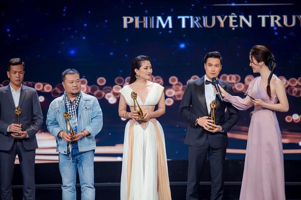 ngọc lan dành được giải nữ diễn viên chính được yêu thích nhất của htv award năm 2014 - nguồn ảnh: internet