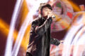 Giọng ca phi giới tính trở lại sau khi 'mất tích bí ẩn' ở 'Sing my song'