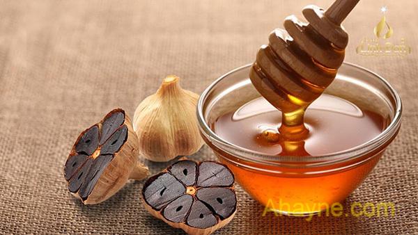 ngâm tỏi đen cùng mật ong là phương pháp dân dã tại nhiều gia đình việt