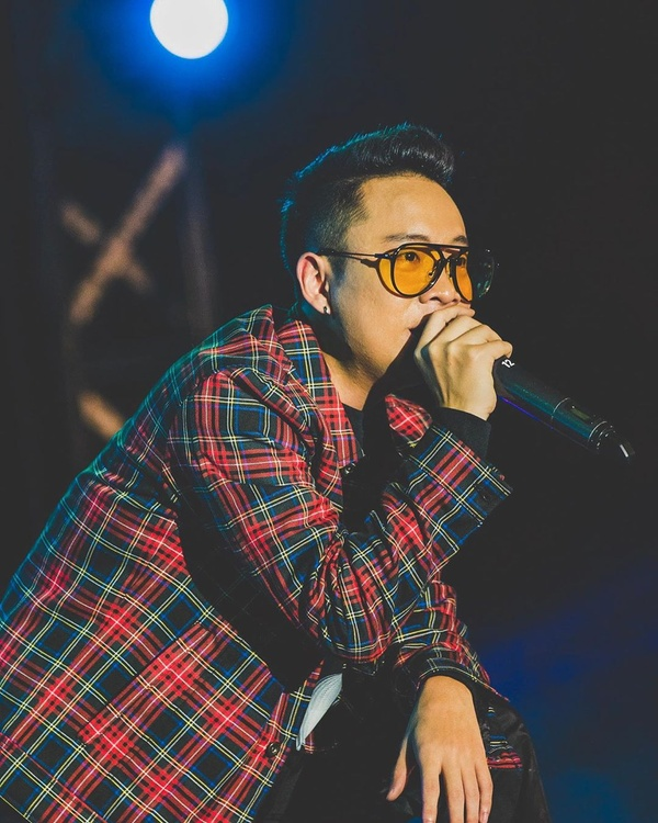 anh là số ít rapper theo đuổi song song 2 dòng nhạc r&b và hip hop - nguồn ảnh: internet