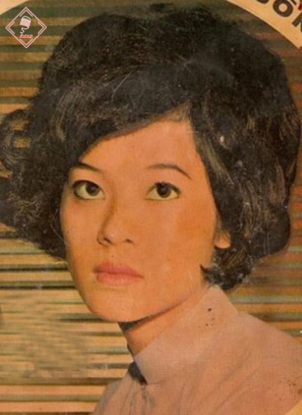 """hình ảnh """"nữ hoàng sầu muộn"""" danh ca giao linh được chụp và phác họa trước năm 1975 - nguồn ảnh: internet"""