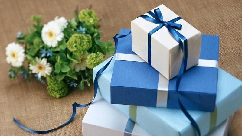 gợi ý 50+ quà tặng sinh nhật bạn trai đầy ý nghĩa và thiết thực nhất