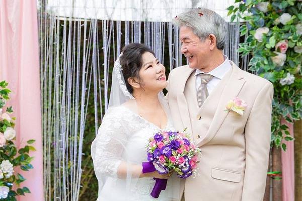 nghệ sĩ thanh hoa kết hôn với nghệ sĩ xiếc tôn thất lợi, người chồng hiện tại - nguồn ảnh: internet