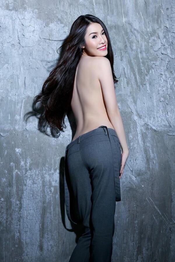 hình ảnh người mẫu quế vân khoe chân dài thon gợi cảm - nguồn ảnh: internet