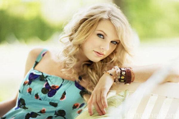 tiểu sử taylor swift - nữ ca sĩ kiêm sáng tác nhạc người mỹ