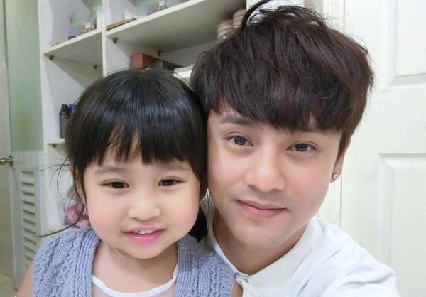 ca sĩ Ưng Đại vệ tái xuất showbiz việt sau nhiều năm vắng bóng - nguồn ảnh: internet
